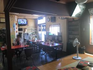 松葉食道 店内2